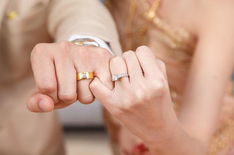 Buying Platinum Diamond Engagement Rings