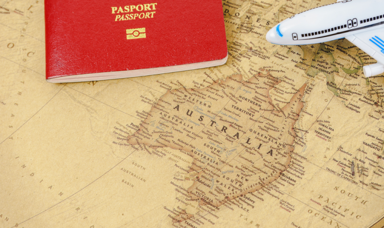 How Can A Registered Migration Agent Help to Apply for An Australian Visa?