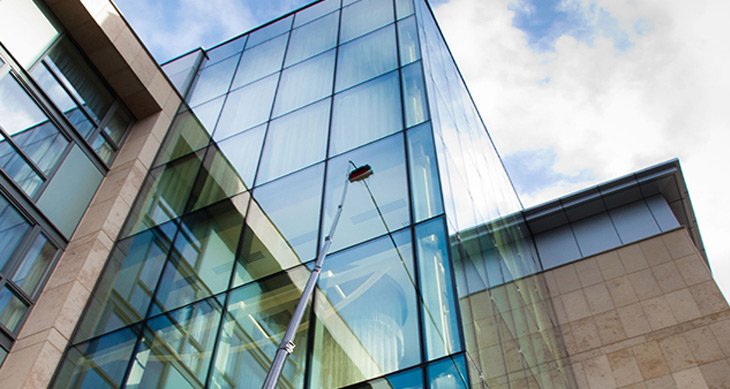 Reasons For Choosing A Professional For Office Window Cleaning