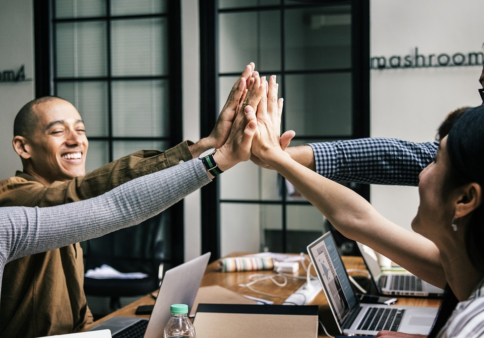 7 Ways That Team Building Can Benefit Your Staff