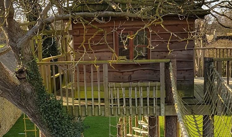 build hand-made treehouse