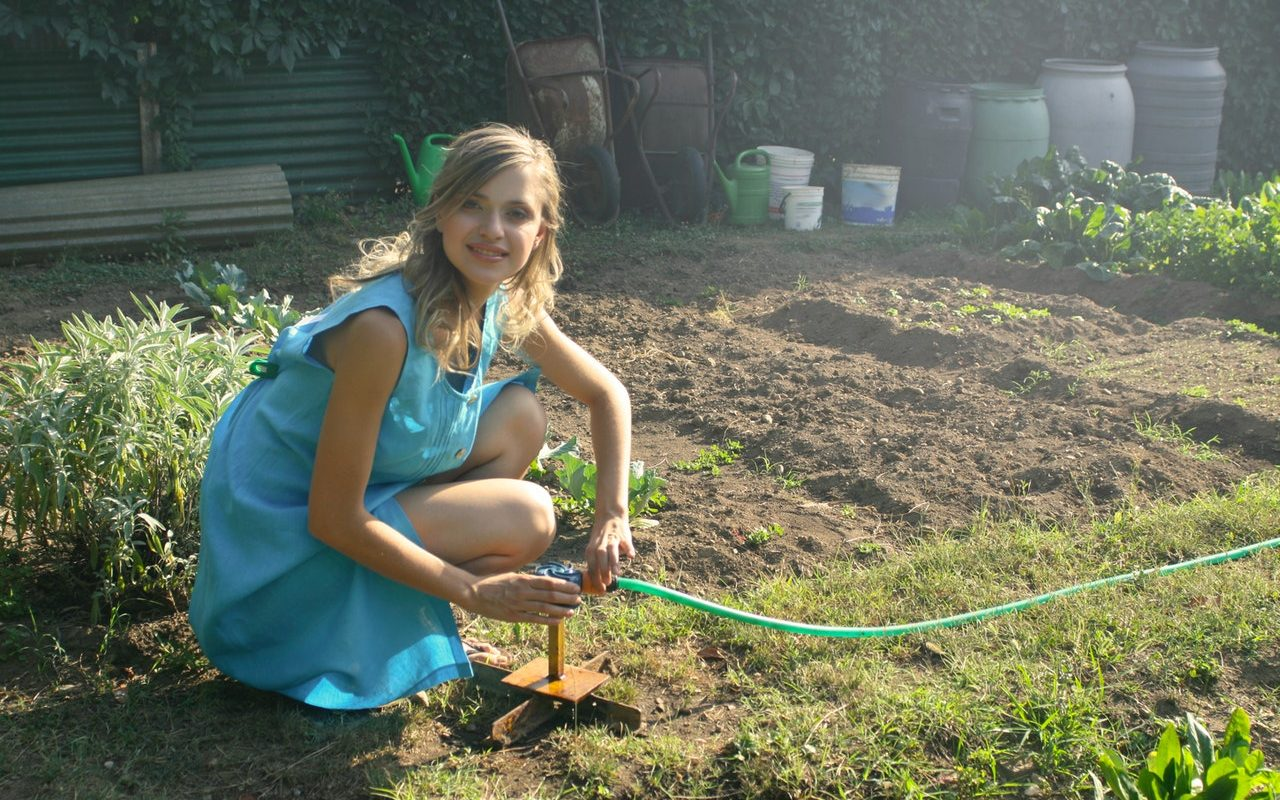 How to Improve Your Well-being Through Gardening